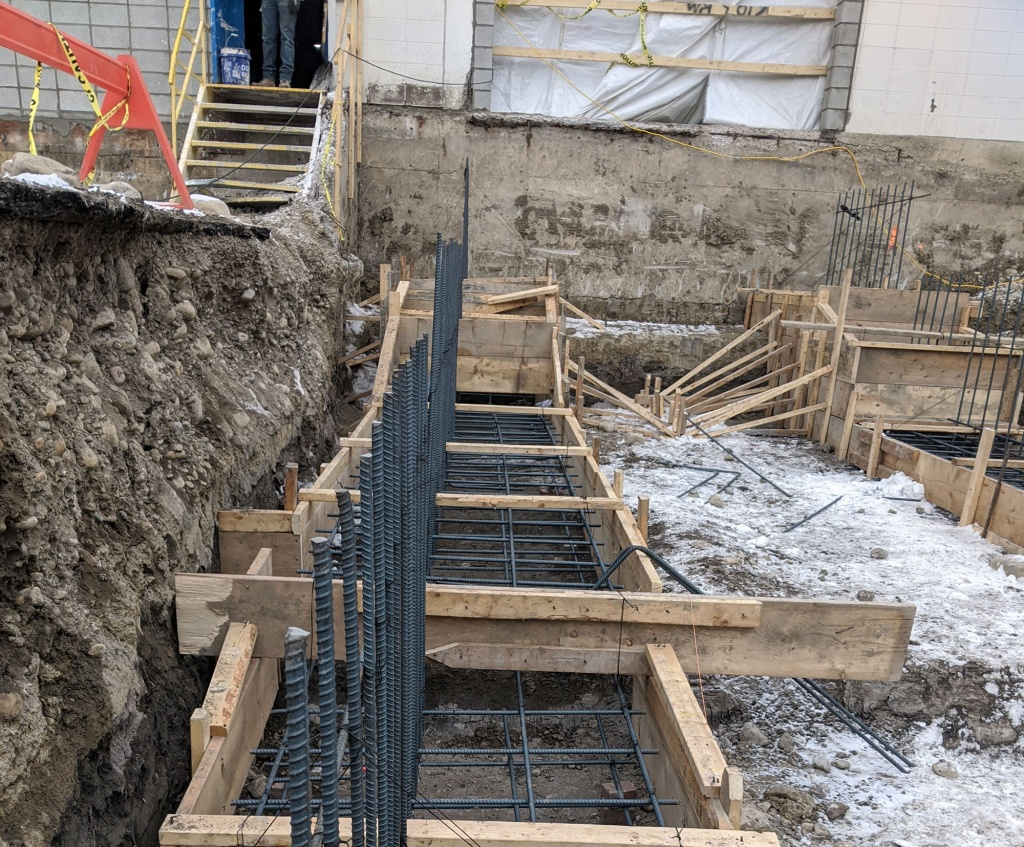 Using Combigrid® 40/40 GRK 4 C to reinforce the poor subgrade